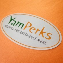 Custom oval roll label for Yampu Tours made by Websticker