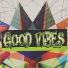 Spreading good vibes for over 20 years. ✌️ . . #goodvibes #quote #mantra #stickers #stickerslaps #marketing #guerillamarketing #stickthis #websticker
